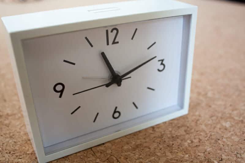 駅の時計・アラームクロック 置時計